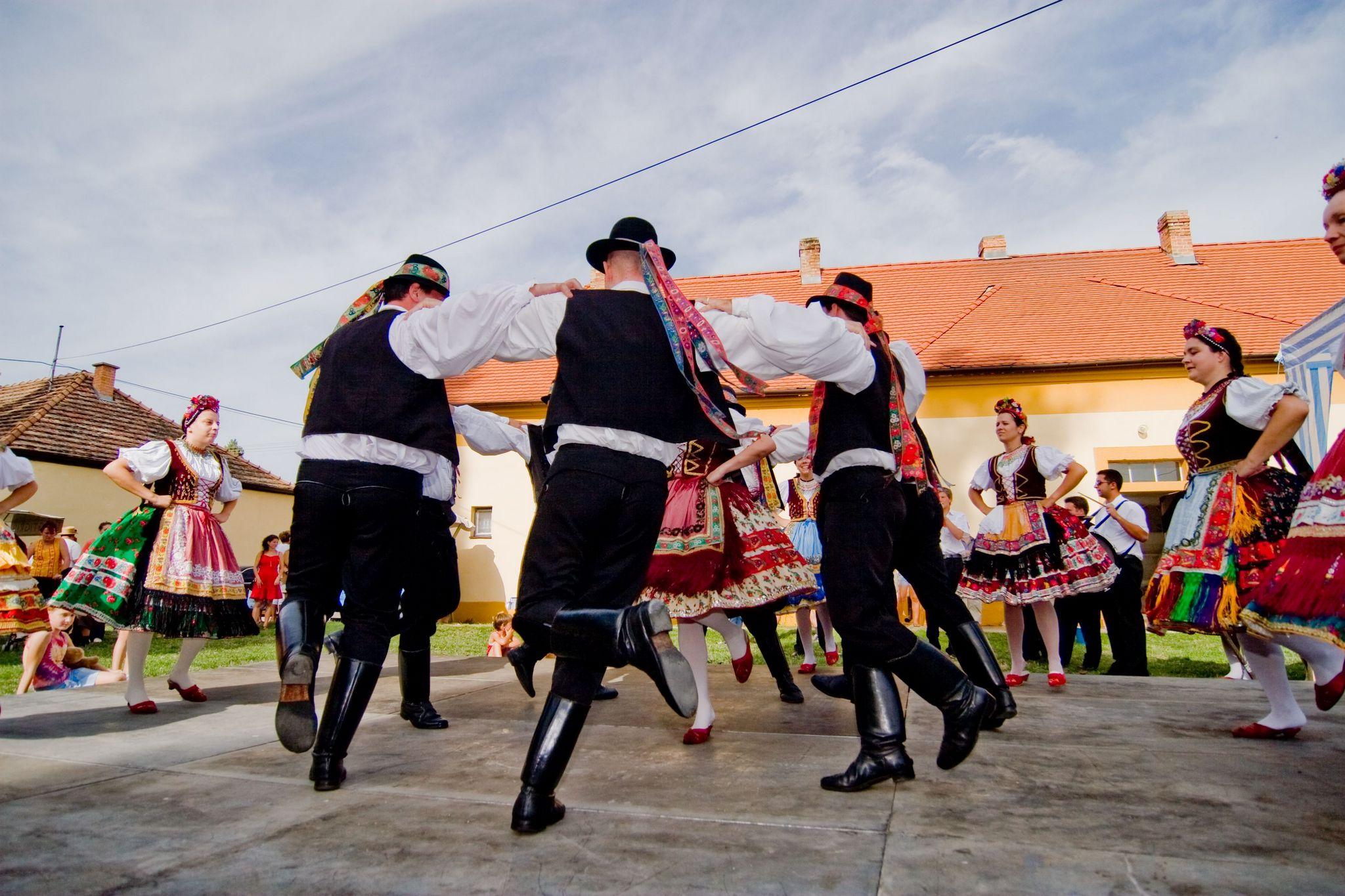 Fiúk tánca
