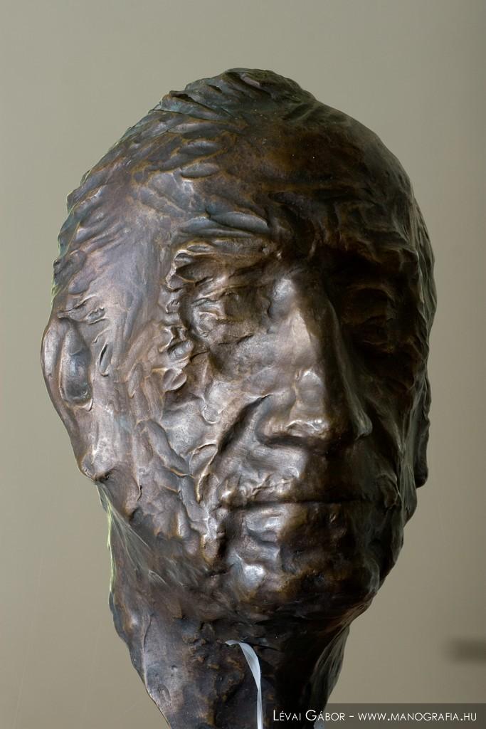 Fülep Lajos szobor